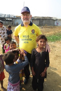 RagPicker Geoff attracts children