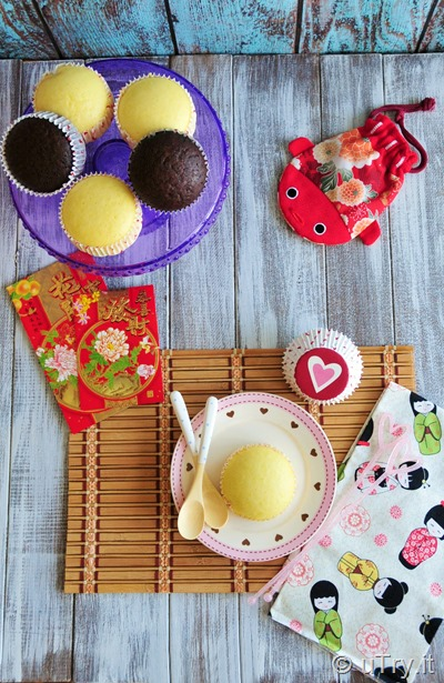 How to Make Chinese Steamed Cakes - 2 Ways 賀年糕點-傳統雞蛋糕  原味+朱古力味 http://uTry.it