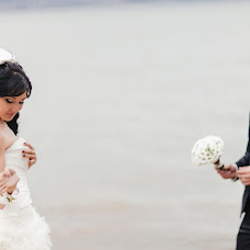 Wedding photographer Yuliya Sergeeva (JuliaSerg). Photo of 21.12.2013