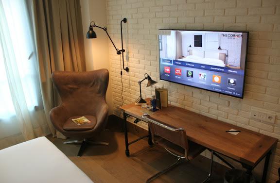 Smart TV Corner Hotel.JPG