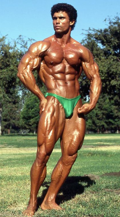 Outdoor Posing and Photoshoot of Bodybuilders Videos