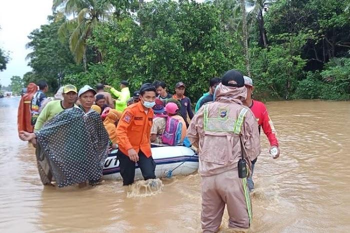 √ 1.358 Sekolah Rusak akibat Banjir di Kalimantan Selatan