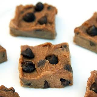 Vegan Chocolate Chip Cookie Dough Freezer Fudge.