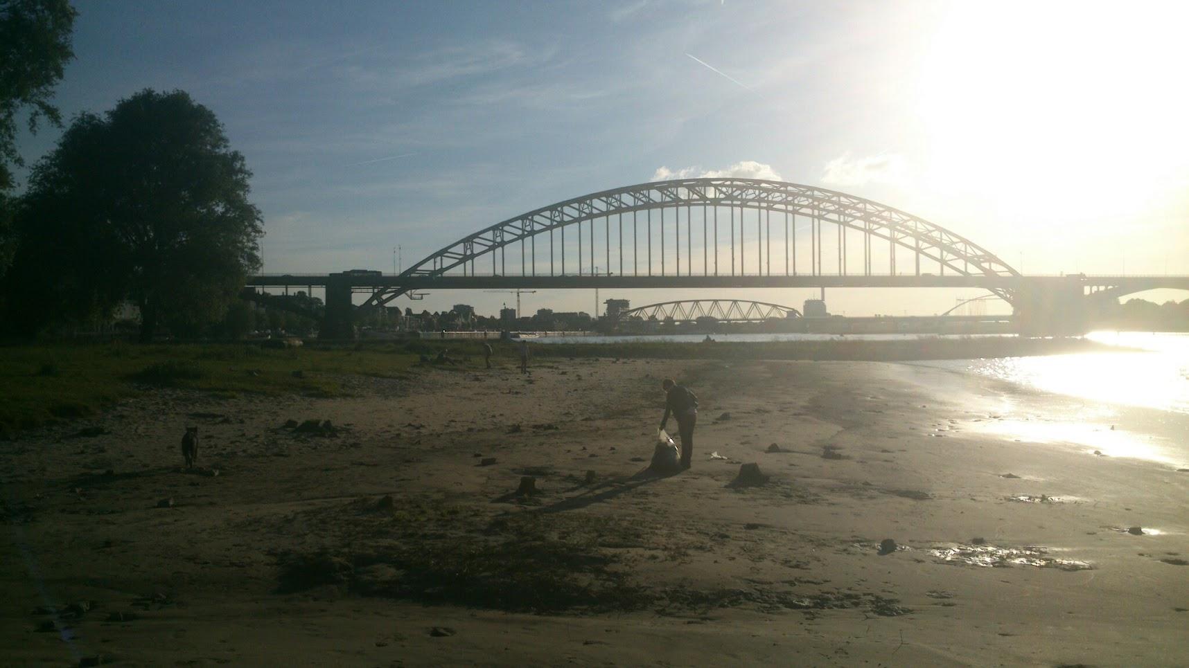 Actie Schone Waal Nijmegen