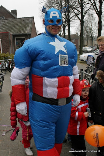 Carnaval Optocht Josefschool overloon 17-02-2012 (14).JPG
