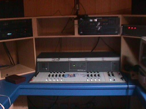Studio Radio Contact Maasmechelen 1.JPG