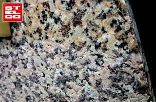075-Piaskowanie-granit-antyposlizgowy-kamien