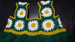 green granny square baby dress 04