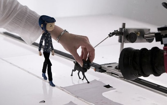 Coraline making off