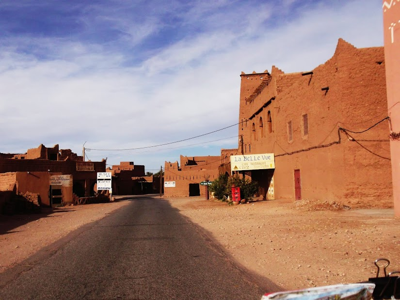 Marrocos e Mauritãnia a Queimar Pneu e Gasolina - Página 12 DSCF1439