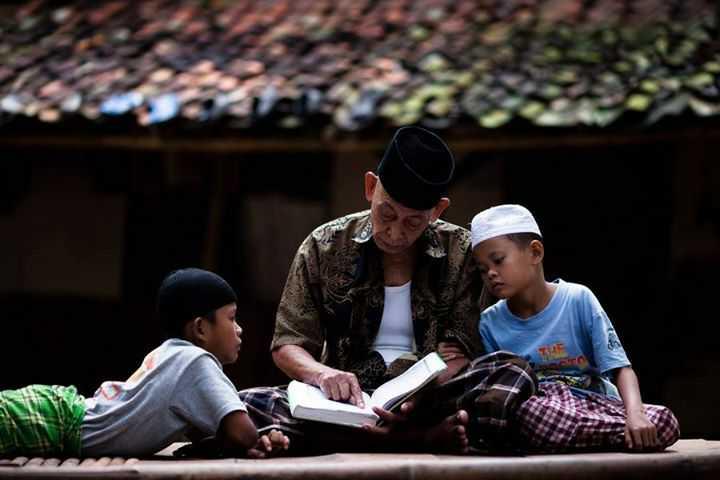 Pengulangan Perintah Bakti Pada Orang Tua Dalam Al-Qur'an