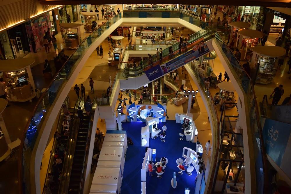 exploring the mega-mall, one of dozens in the BKK area...