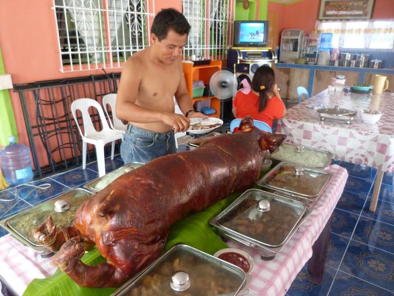 Jour de Fiesta. Ile Poron en face des Camotes