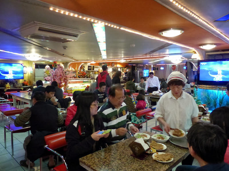 Taipei Zhong Shan Hall et Ximending - P1020663.JPG