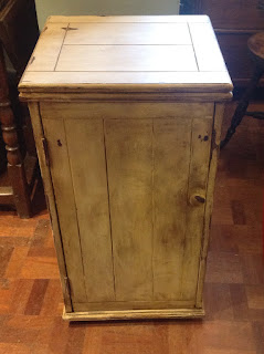 401j - Vintage pot cupboard fitted inside £89.00