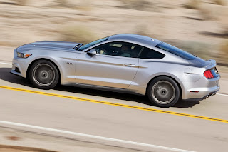 2015-Ford-Mustang-06