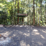 Basin campsite table and shelter (58883)