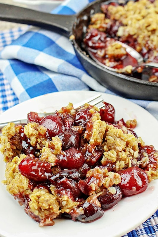 Cast-Iron-Skillet-Bing-Cherry-Crumble-Recipe-15