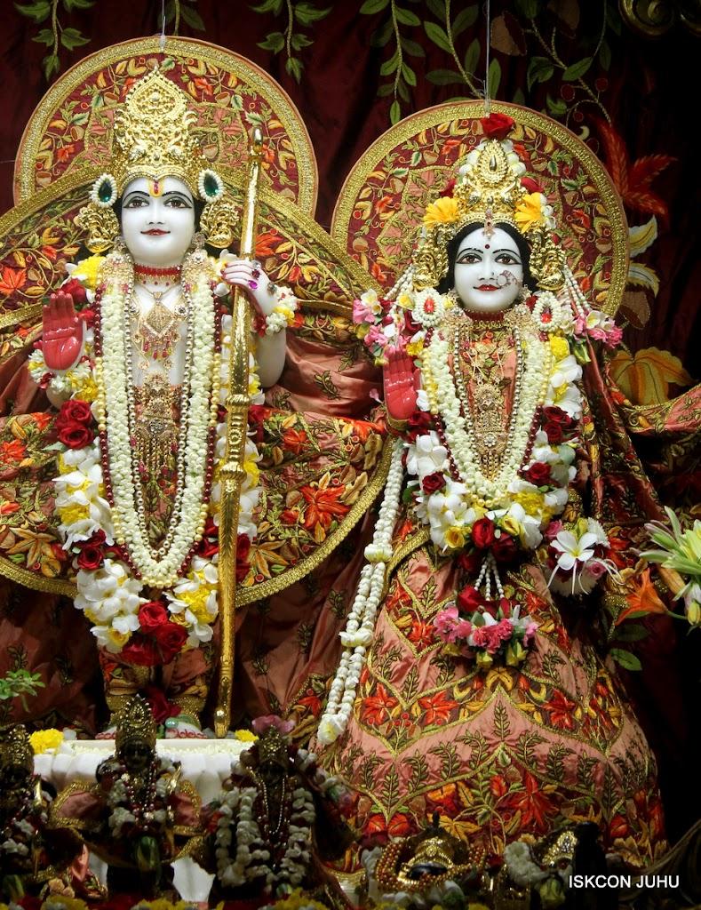 ISKCON Juhu Sringar Deity Darshan on 30th May 2016 (20)