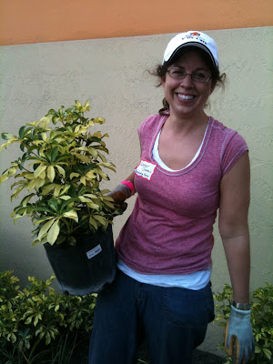 Direct Selling Education Foundation (DSEF) Event - YMCA Greater Miami-Dade - Direct Selling Association (DSA) - Celebrating Home President Heather Chastain working hard on the garden at the YWCA  Heather is a member of DSEF's board of directors DSA visits Miami-Dade YMCA