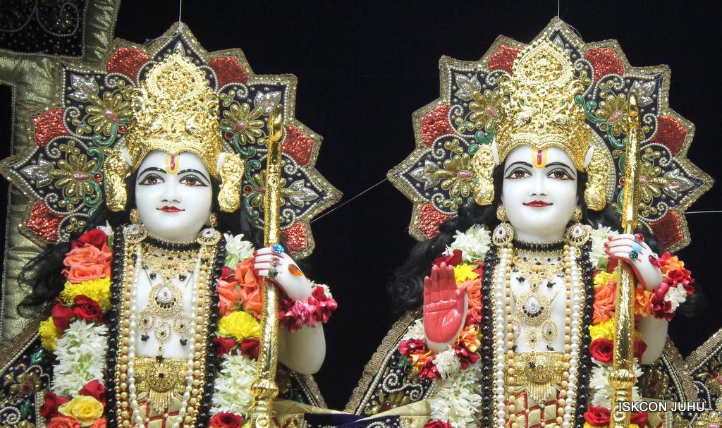 ISKCON Juhu Sringar Deity Darshan on 24th September 2016 (28)