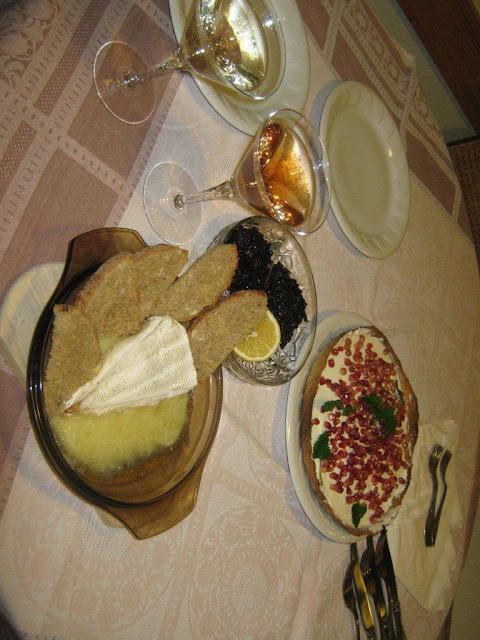 nőnapi  vacsora