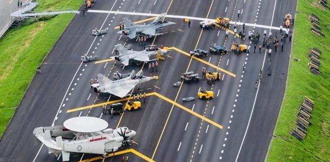 Taiwan Kirim Jet Tempur Usir Militer China Di Selat Perbatasan
