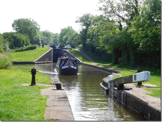 6 entering bottom hanbury lock