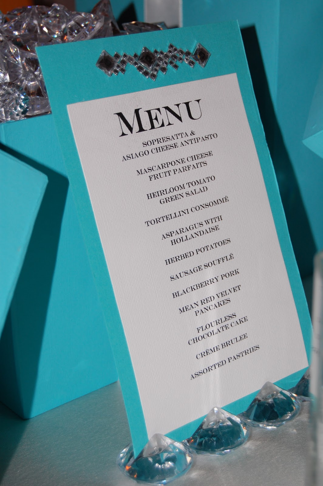 Design muse table for twelve breakfast at tiffany 39 s for Breakfast at tiffany s menu