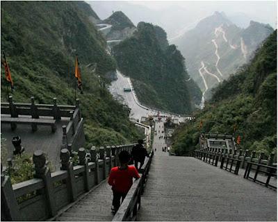 O arco da montanha Tianmen– China