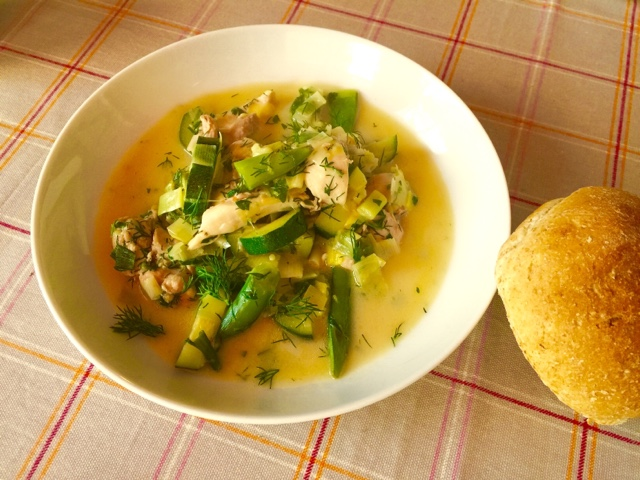 Easy chicken, dill, lemon and leak soup