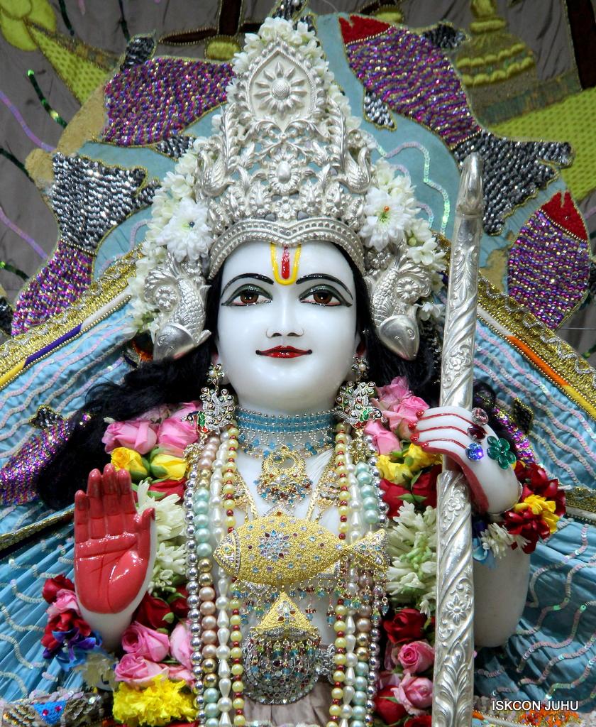 ISKCON Juhu Sringar Deity Darshan on 19th Oct 2016 (45)