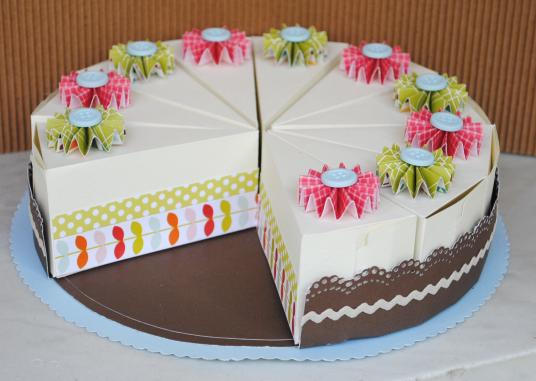 Cake Designs On Paper : Food packaging/presentation on Pinterest Paper Cake ...