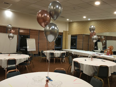BLACK // GOLD FOIL BALLOON DISPLAY-TABLE CENTREPIECE AGE 90 90TH  BIRTHDAY