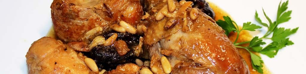 Rostit de Nadal: Rostit de pollastre amb prunes i pinyons
