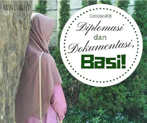 Diplomasi dan Dokumentasi, Basi!