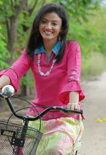 Suhasi Goradia Dhami Photos