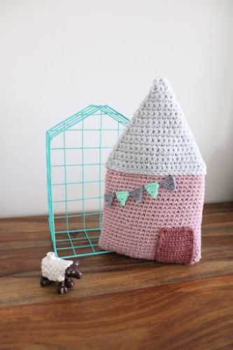 Not 2 late to craft: Caseta de ganxet de Tournicote / Crochet house from tournicote