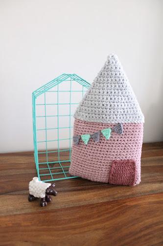 Not 2 late to craft: Caseta de ganxet de Tournicote / Crochet house from tournicote