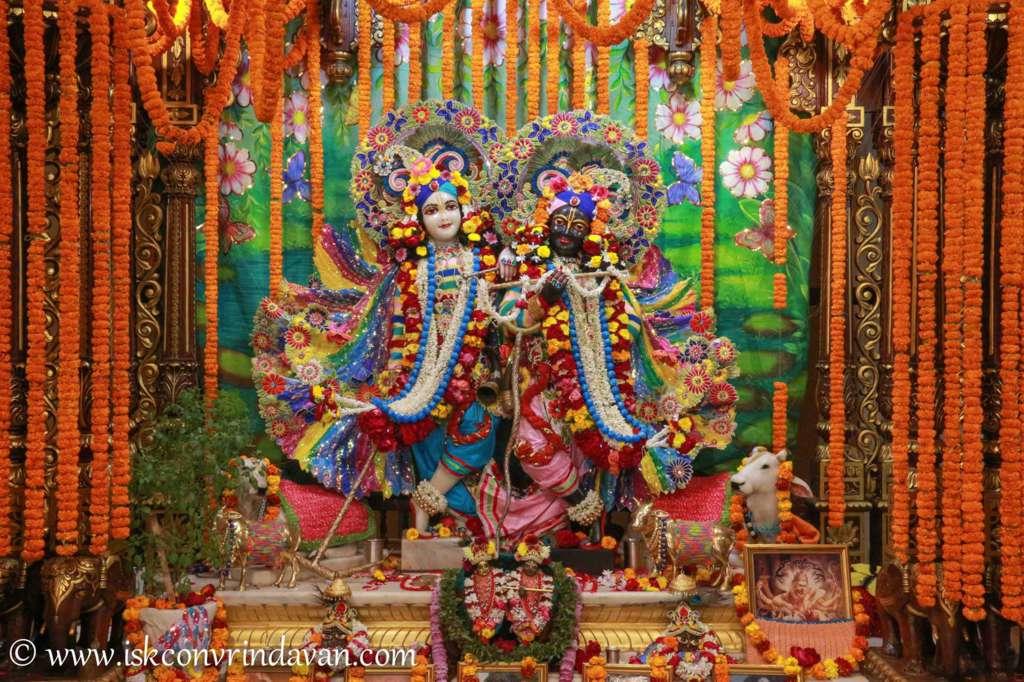 ISKCON Vrindavan Sringar Deity Darshan 18 Dec 2015 (7)
