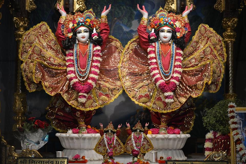 ISKCON Ujjain Deity Darshan 03 Jan 2017 (14)