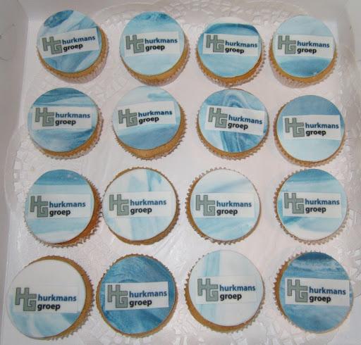 104-H Bedrijfs cupcakes.JPG