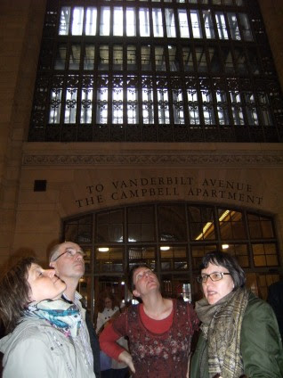 Andrea, Ulrich, Miri mit Gundula Schmidt-Graute im Grand Central, Manhattan, New York