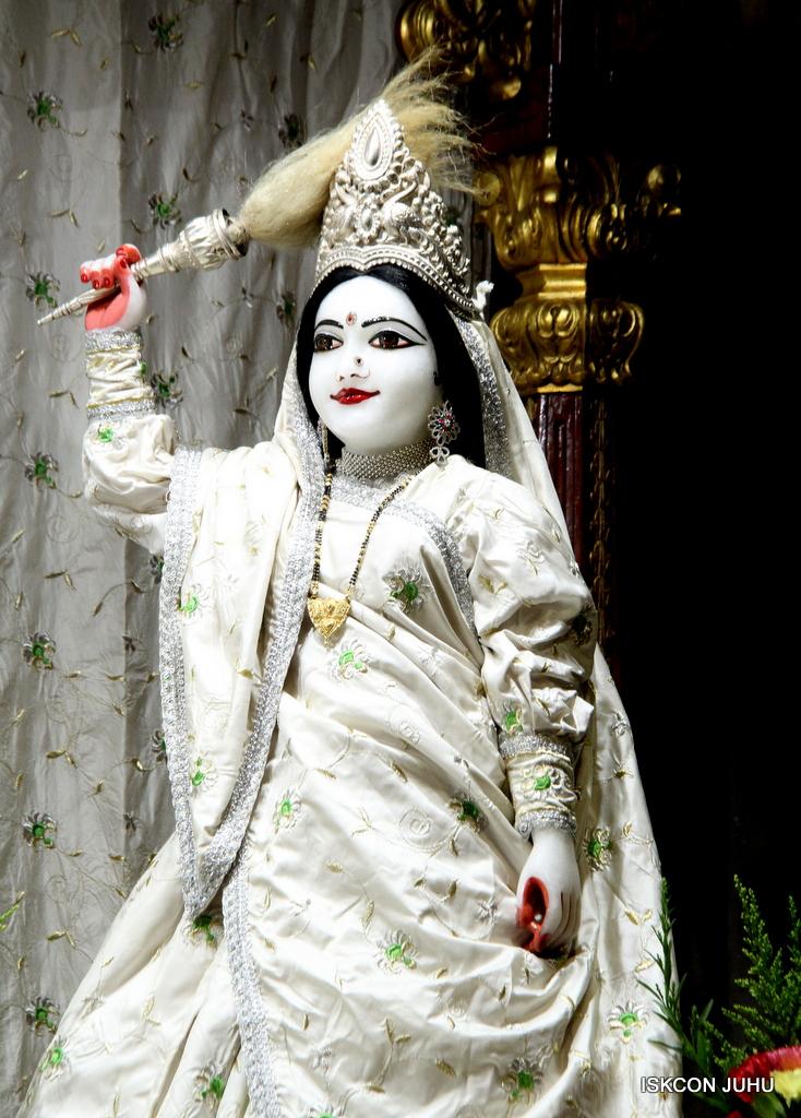 ISKCON Juhu Mangal Deity Darshan on 8th Sep 2016 (30)