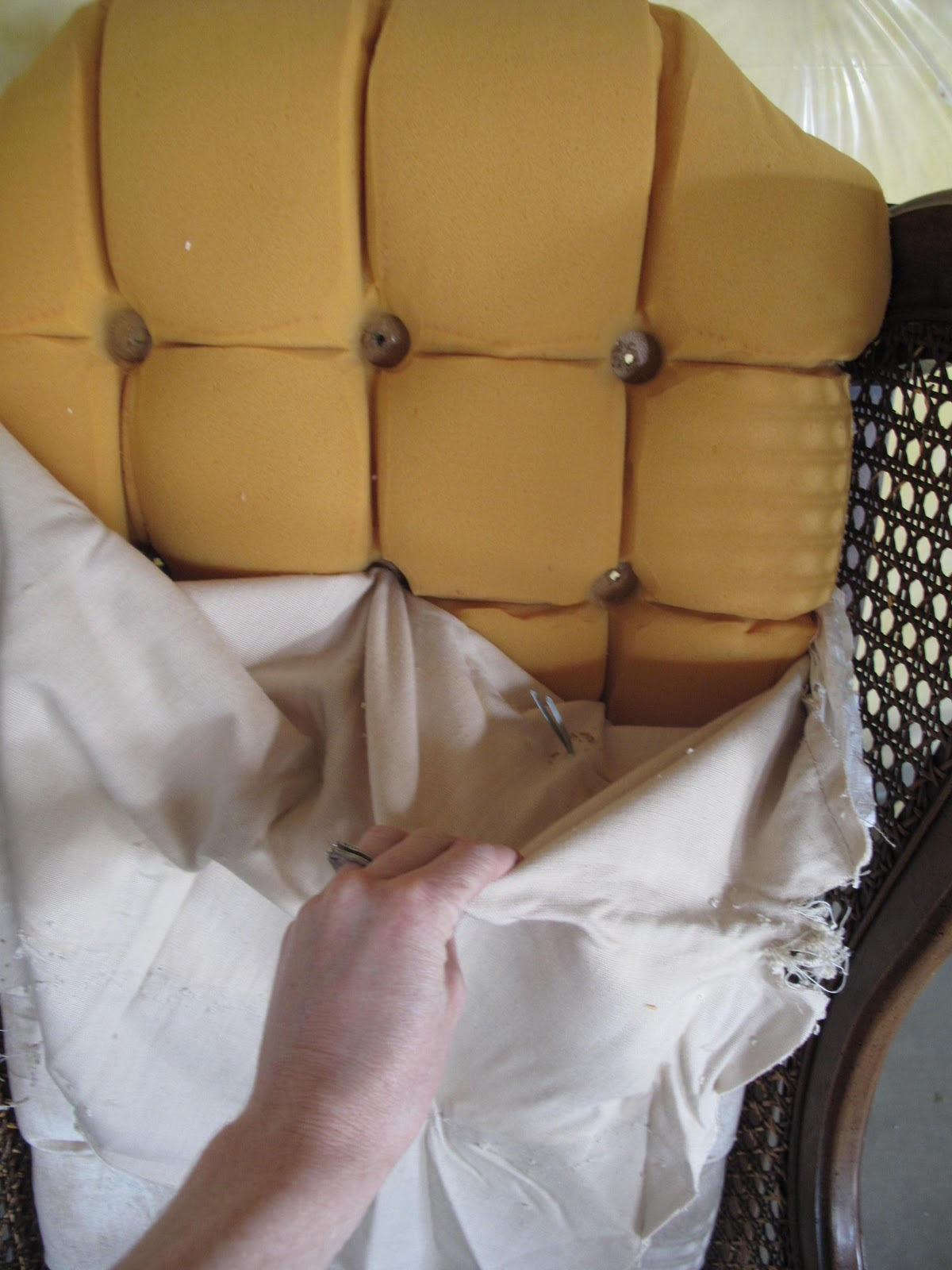 Little Miss Penny Wenny: How to Re-upholster with a Drop Cloth- Part 1