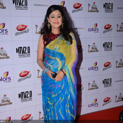 Disha Vakani poses during the 12th Annual Indian Telly Awards, held in Mumbai.