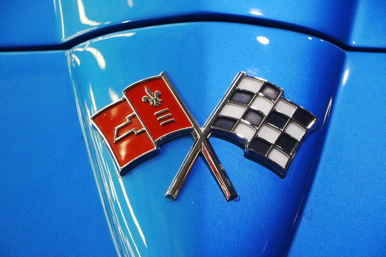 1966 Chevrolet Corvette Stingray (09).jpg
