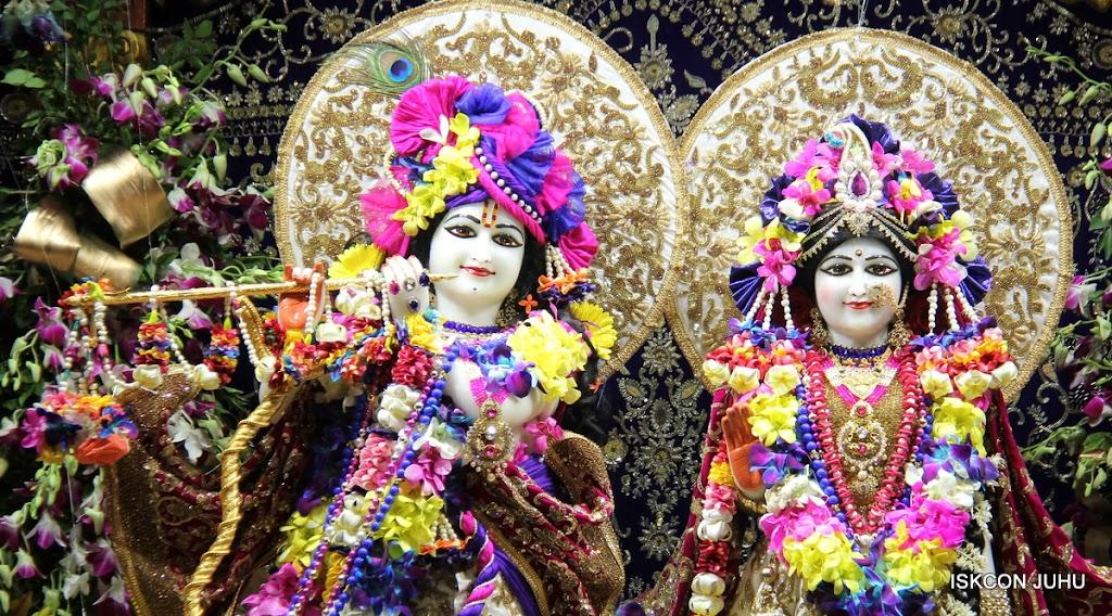 ISKCON Juhu Sringar Deity Darshan on 25th August 2016 (69)