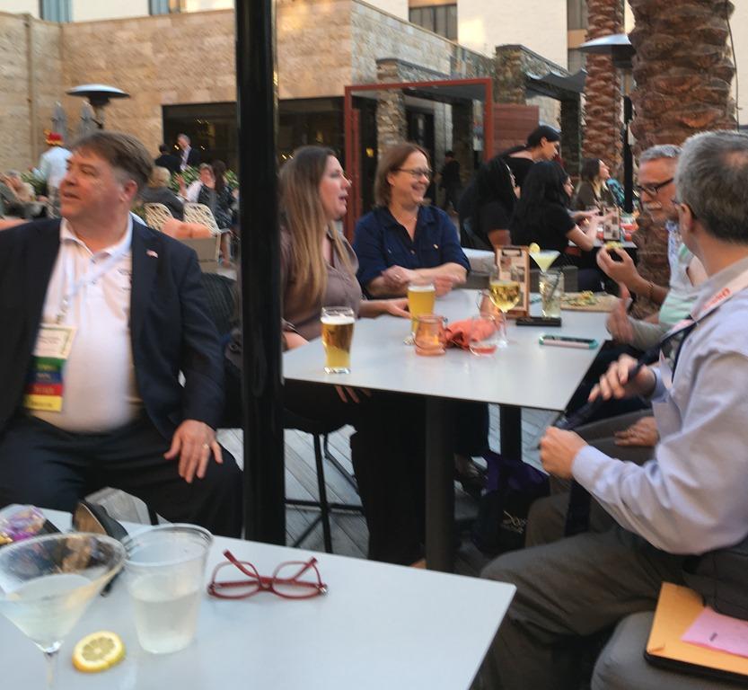 [table+at+Marriott+bar%5B8%5D]
