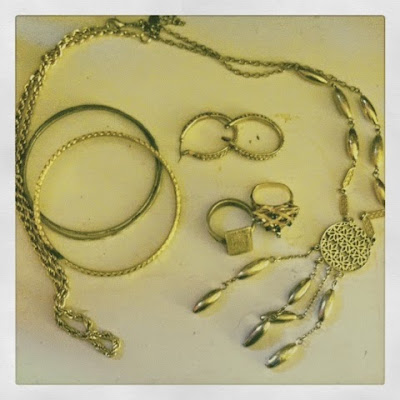 Vintage styles gold jewelry accessories